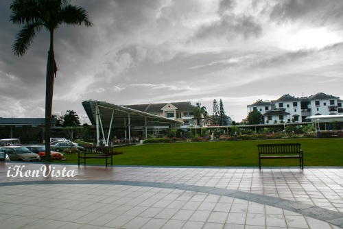 Food Court- Boomerang-Shaped Roof