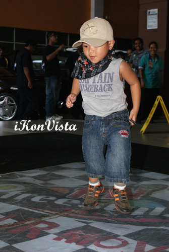 Hiphop Kid Ready To Groove!