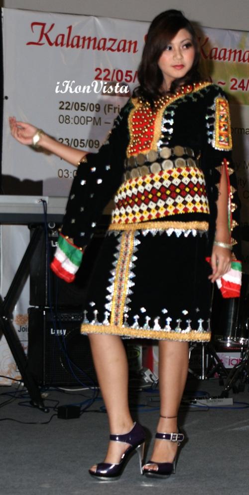 Trading kadazandusun Wedding Dress with a Touch of Modernity